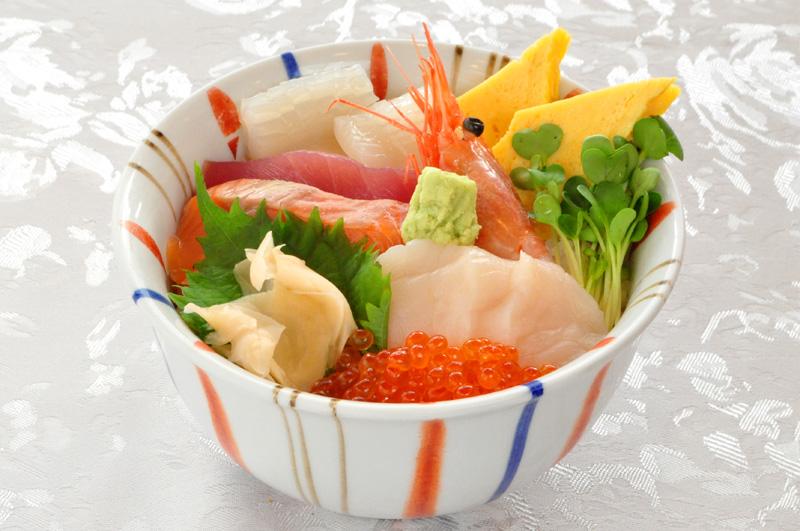 海峡丼(7種盛り)
