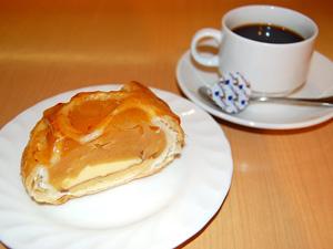 ケーキとアップルパイ
